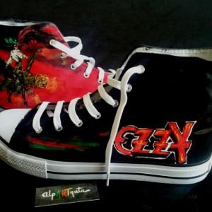 zapatillas-pintadas-a-mano-ozzy-alpartgata (3)