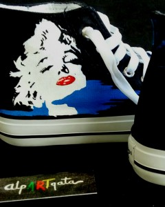 Zapatillas-pintadas-a-mano-marilyn-alpartgata (3)