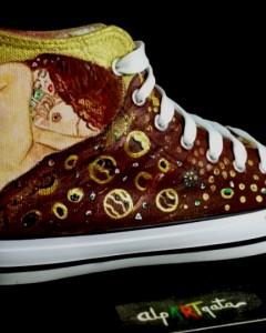 zapatillas-personalizdas-pintadas-alpartgata-danae-klimt (3)