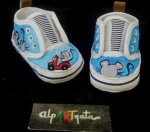 zapatillas-pintadas-alpartgata-patucos (1)