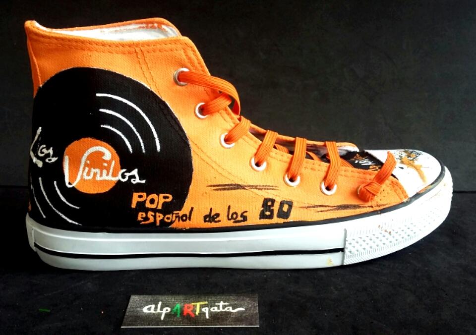 zapatillas-pintadas-a-mano-los-vinilos-alpartgata (13)