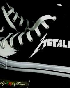 Zapatillas-pintadas-personalizadas-alpartgata-metalica (3)